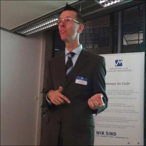 Referent Gerd Schröder über Video-Marketing in der Unternehmenskommunikation. Foto: Petra Grünendahl.
