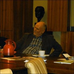 Reiner Siebert, Leiter des Beratungsbüros im DGB-Haus, ist täglich von 9 bis 12 Uhr telefonisch erreichbar. Foto: Petra Grünendahl.