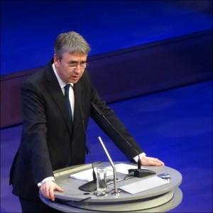 Kartellamtspräsident Andreas Mundt beim IHK-Neujahrsempfang in der Duisburger Mercatorhalle. Foto: Petra Grünendahl.