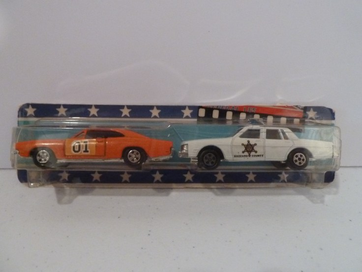 Ertl 1/64 General Lee and Rosco's Patrol Car 2 pack