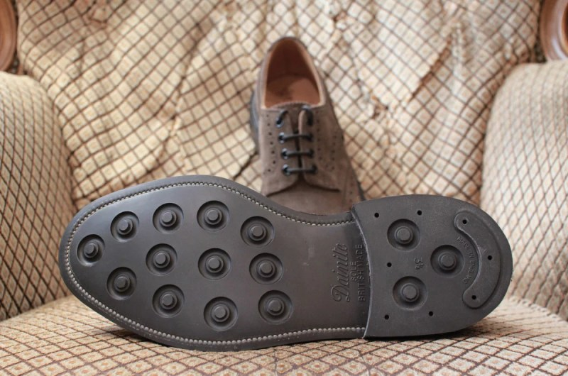 trickers_bouton_brown_suede_04
