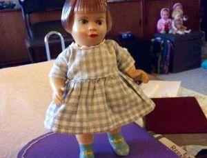 Denne lille pige er iført Original Jul.A.Marie-kjole!