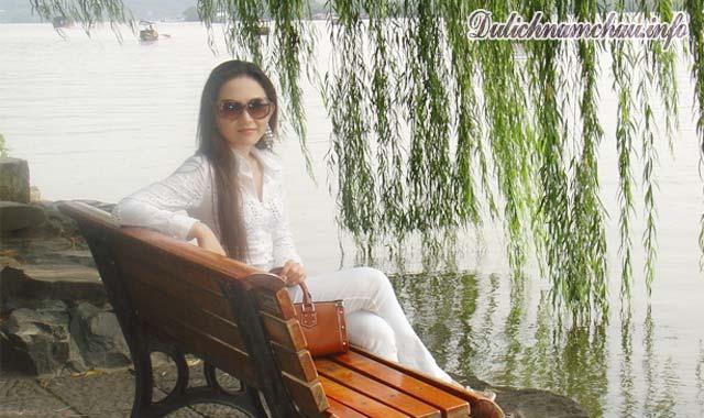 Du thuyền trên Tây Hồ, ngoạn cảnh Hàng Châu Trung Quốc