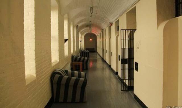 Khách sạn nhà tù ở Thụy Sỹ là một trong 10 khách sạn độc đáo nhất thế giới