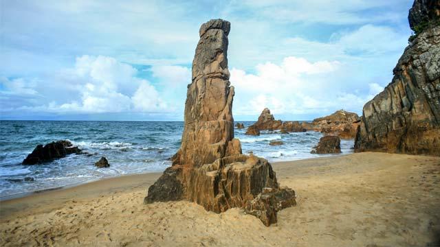 Bãi đá nhảy Quảng Bình - Du lịch năm châu