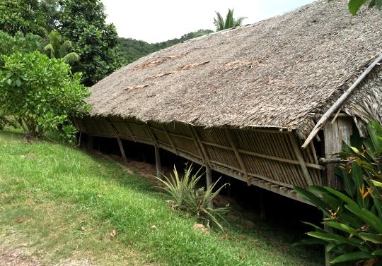 Bavanggazo Rungus Longhouse