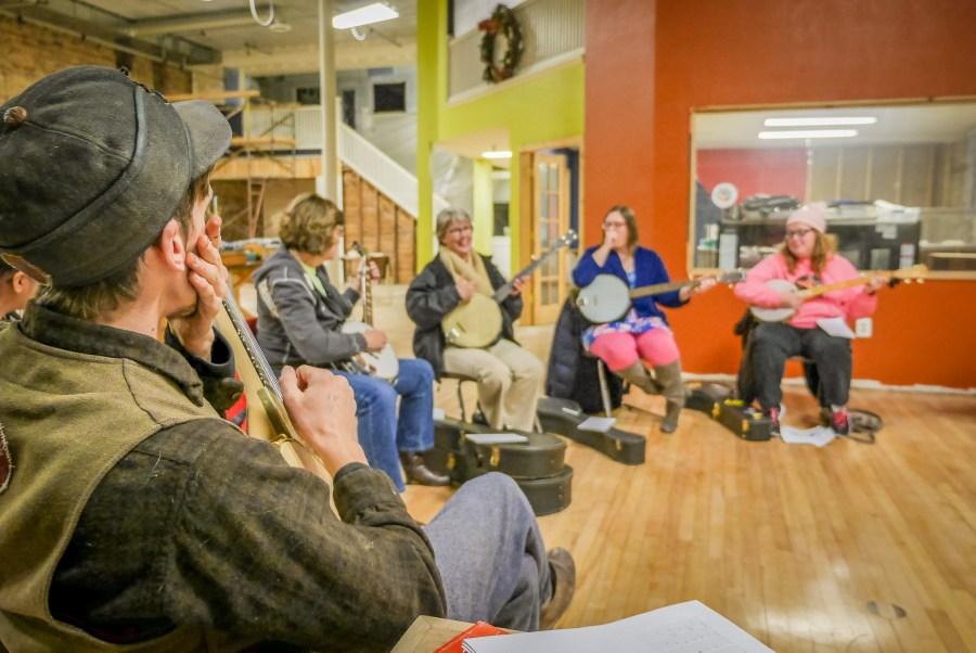 Intro to Banjo at the Duluth Folk School