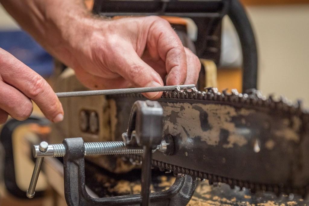 Chainsaw Sharpening at the Duluth Folk School