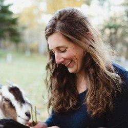 Photo of Duluth Folk School instructor Elena Bantle