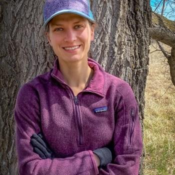 Duluth Folk School instructor Anna Swarts