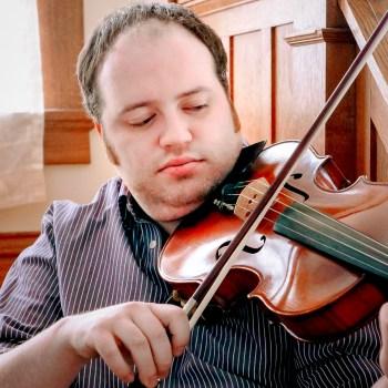 Duluth Folk School instructor Jason Busniewski