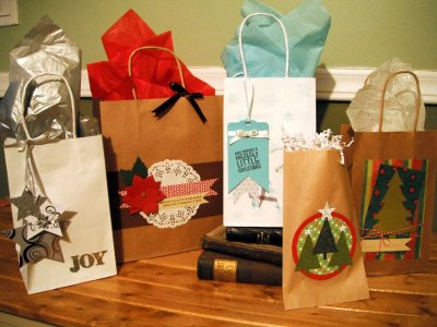 Create Custom Designed Holiday Gift Bags with the Duluth Folk School