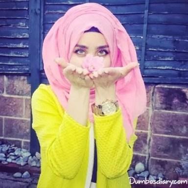 Muslim beautiful girls hijab dp for Whatsapp or Facebook