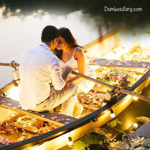 love-couple-in-boat