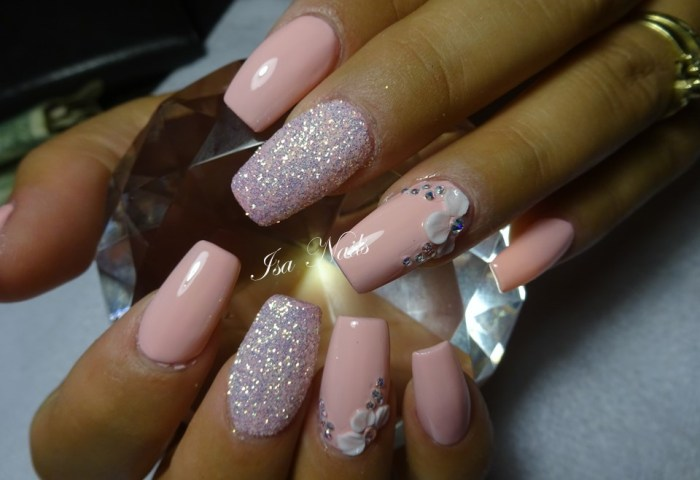 Uñas Unicornio Isa Nails