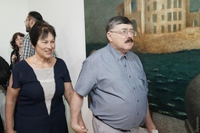 Телеведущий Борис Бурда с супругой