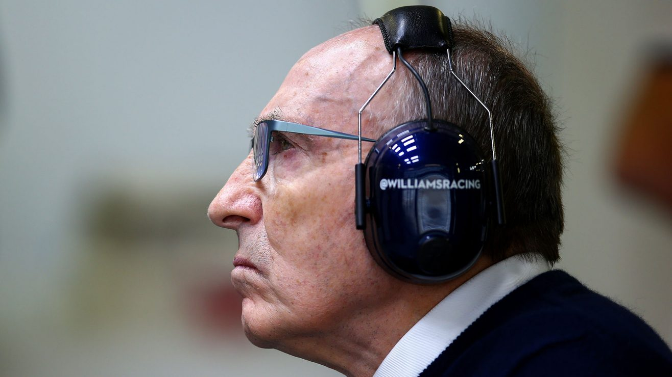 "Sir Frank Williams ""se recuperando"" após receber alta do hospital"