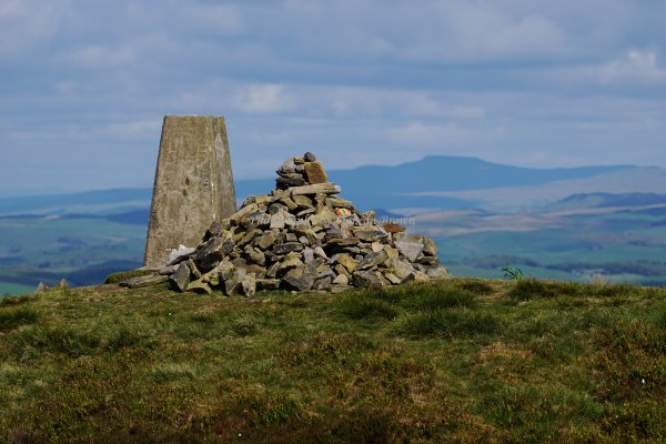 Pinhaw Beacon with Ingleborough in the background, Elslack Moor, Craven, North Yorkshire, England