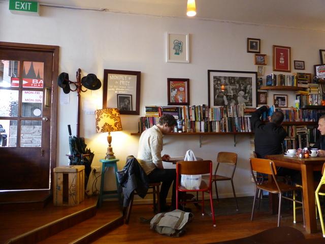 New Zealand and Australian coffee shops (2/6)