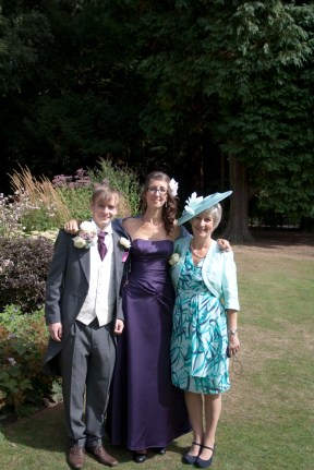 The mother and siblings of the bride