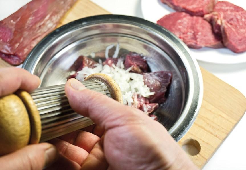 добавление к мясу черного перца