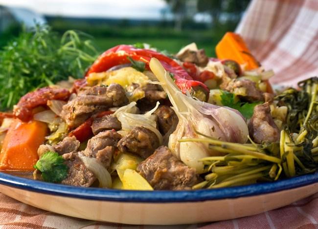 мясо и овощи в собственном соку по-ёзгечуйски