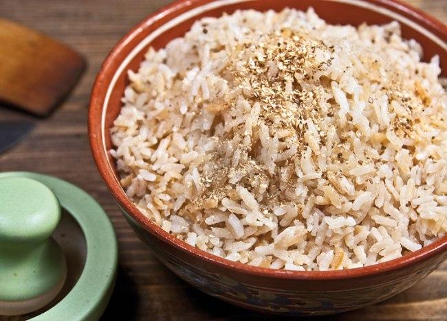 заправка готового риса пряностями