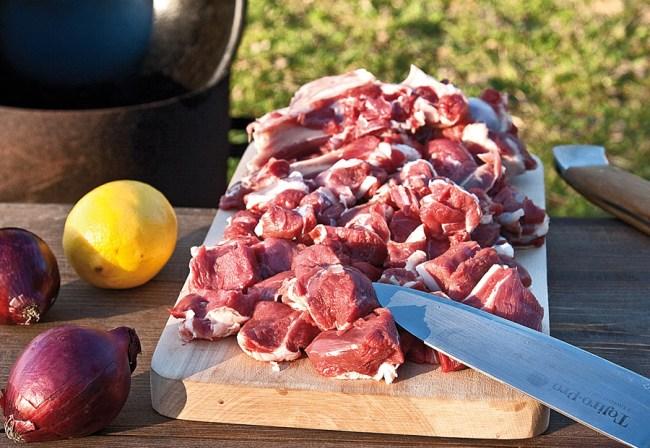 нарезка мяса для казан-кебаба