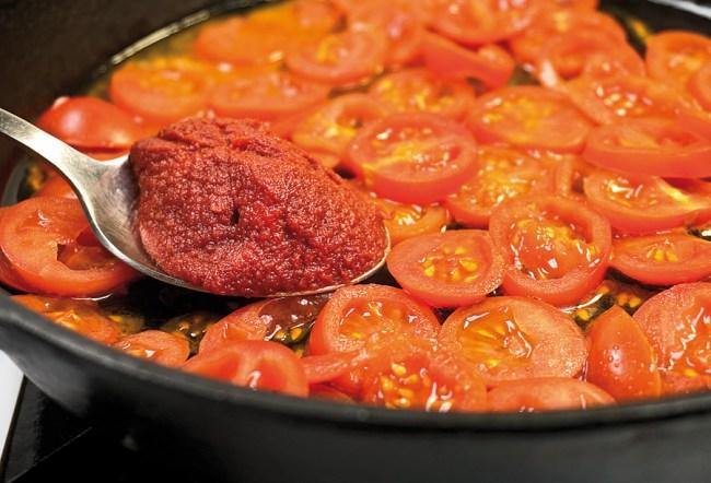 пассерование томатов без использования масла для деликатного опохмелочного борща