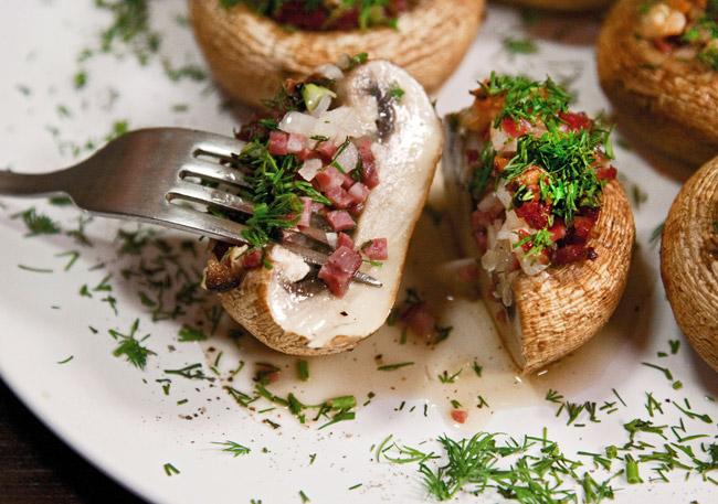 Печеные шампиньоны на манер эскарго от dunduk-culinar.ru