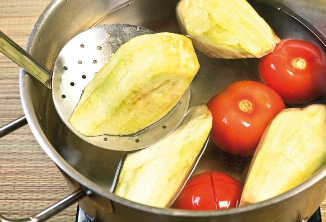 предварительное отваривание овощей для баклажанов под холодным соусом