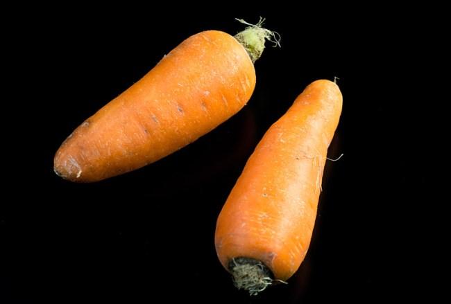 морковь для  картошки с мясом и с красным бульоном