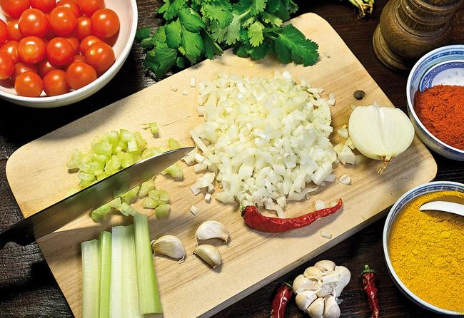 подготовка овощей для хариры на хаше