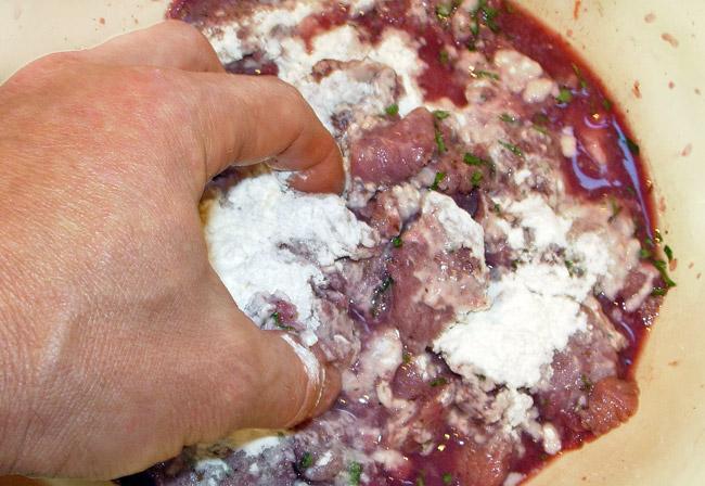 добавление гороховой муки и приготовление кляра