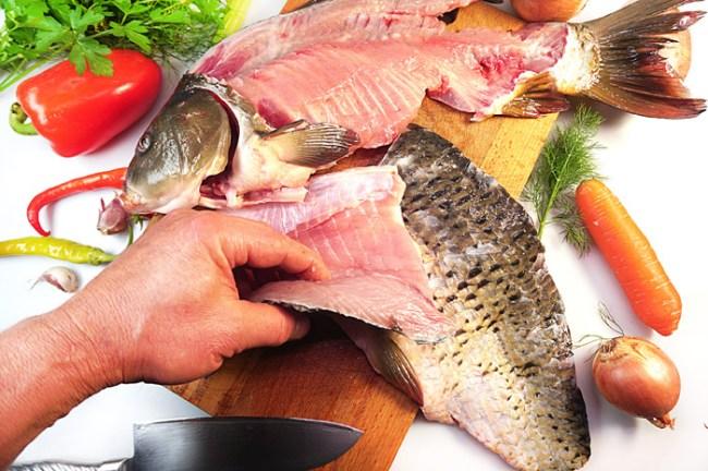 снятие филе с карпа для рыбной шурпы