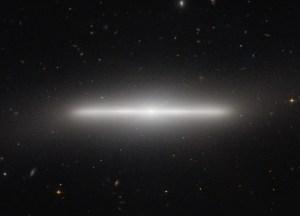 Galaksi lenticular NGC 4452 (Sumber: APOD)