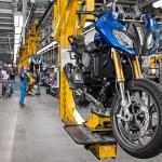 Data historis industri otomotif dalam 24 riset data spesifik