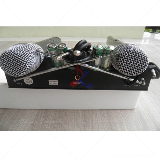Mic Wirelees Aiwa AW 9898