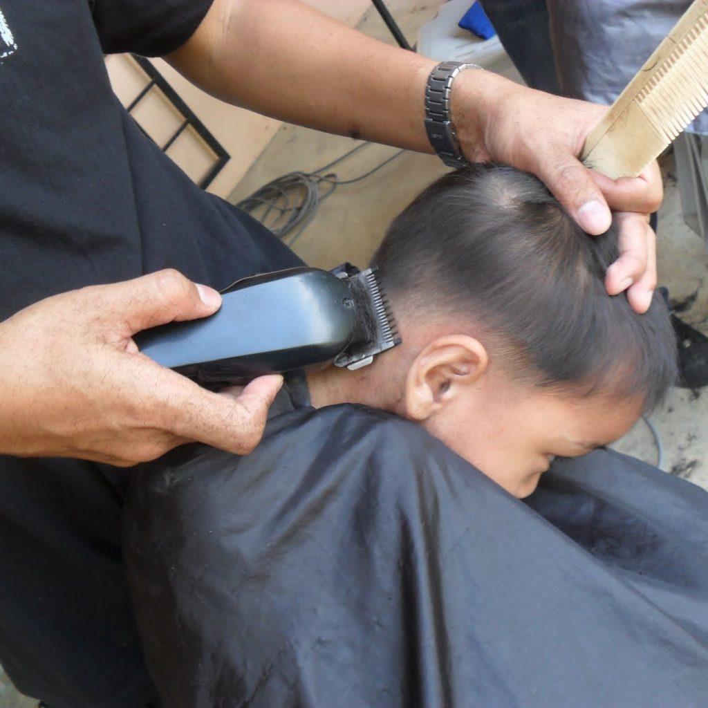 Usaha yang menjanjikan di Desa: Membuka Jasa Potong Rambut