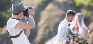 Cara Mendapatkan Uang dari Hobi Fotografi dengan jadi fotographer pernikahan