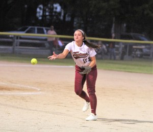 HC walks off with semifinal softball win over Western