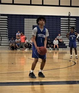 Hawks come back from slow start in hoops scrimmages
