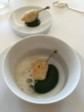 Cuisses de grenouille, à la fois fondantes et croustillantes en beignet
