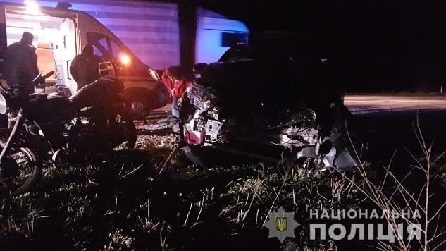 На Херсонщині після зіткнення мотоцикла з позашляховиком постраждали троє людей (ФОТО) » Новости Херсон