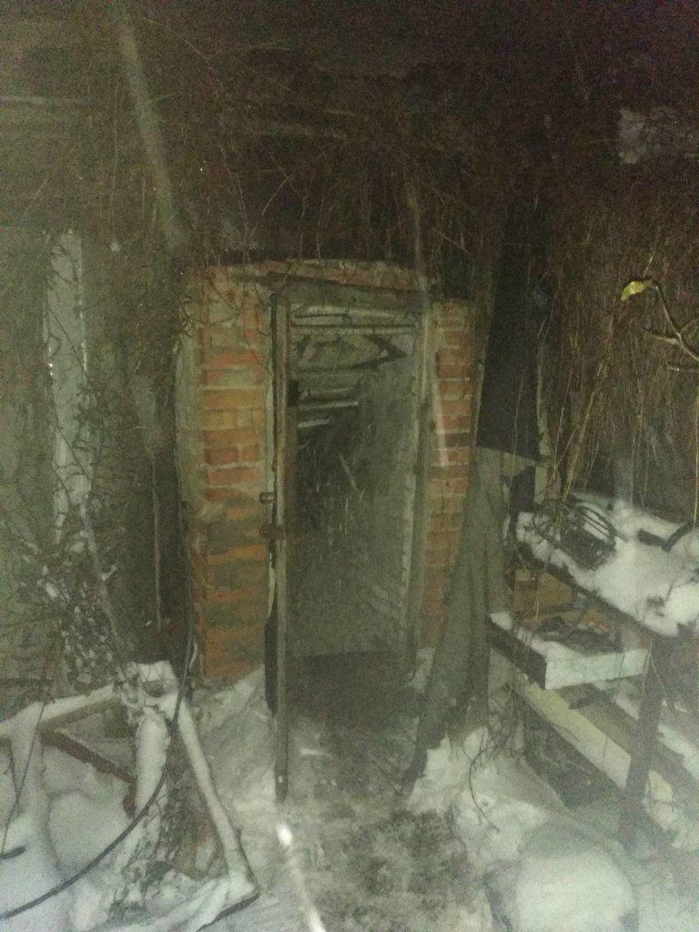 «Сгорел до костей»: под Харьковом во время пожара в частном доме погиб мужчина, – ФОТО
