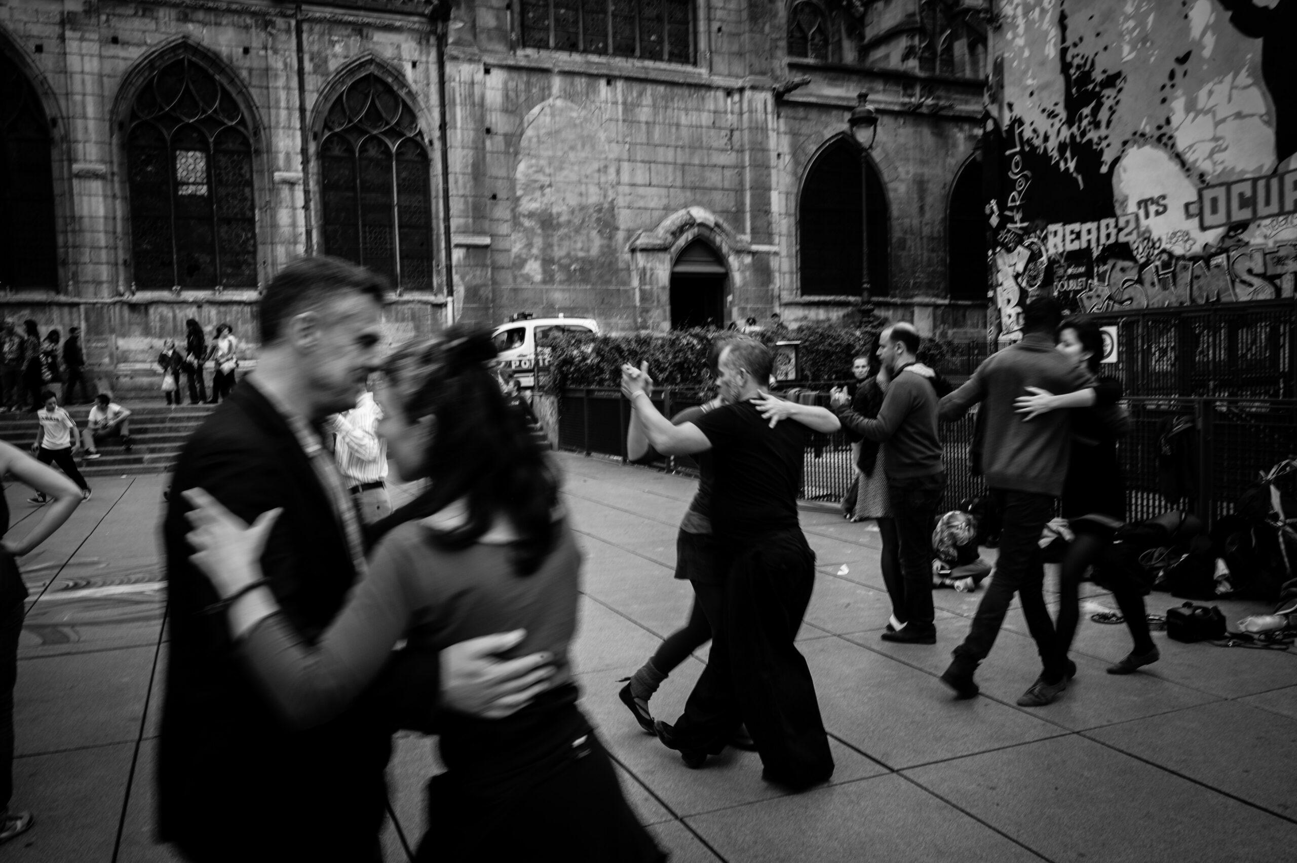 Dunya Naturals - Как танците могат да бъдат полезни за възрастните хора?