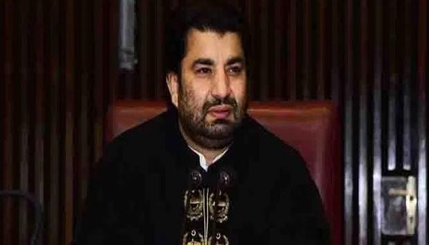 الیکشن ٹریبونل نے قومی اسمبلی کے حلقہ این اے 265 کوئٹہ (2) سے منتخب پی ٹی آئی کے رکن اور قومی اسمبلی کے ڈپٹی اسپیکر قاسم خان سوری کو فارغ کرتے ہوئے ان کی کامیابی کو کالعدم قرار دے دیا۔  الیکشن ٹریبونل کے جج جسٹس عبداللہ بلوچ نے قاسم سوری کے خلاف بلوچستان نیشنل پارٹی کےنوابزادہ حاجی لشکری رئیسانی کی جانب سے دائر درخواست پر محفوظ کیا گیا فیصلہ سناتے ہوئے حلقے میں دوبارہ الیکشن کرانے کا حکم دے دیا۔  واضح رہے کہ الیکشن 2018ء میں این اے 265 کوئٹہ 2پر ڈپٹی اسپیکر قومی اسمبلی قاسم سوری کامیاب قرار پائے تھے۔  ان کی کامبابی کے بعد بلوچستان نیشنل پارٹی کے نوابزادہ حاجی لشکری رئیسانی نے موقف اختیار کیا کہ این سے 265 میں ایک لاکھ 14 ہزار ووٹ کاسٹ ہوئے جن میں سے صرف 50 ہزار ووٹ درست قرار دیے گئے جبکہ دھاندلی کے ذریعے 64 لاکھ جعلی ووٹ ڈالے گئے۔  الیکشن ٹربیونل میں اس کیس کی سماعت ایک سال سے زائد عرصہ تک جاری رہی، جبکہ کیس میں نادرا نے ووٹوں کی بائیو میٹرک رپورٹ بھی ٹربیونل میں جمع کرائی تھی