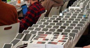 کورونا وائرس: قرنطینہ میں کھڑے کروز شپ کے مسافروں میں مفت آئی فونز تقسیم