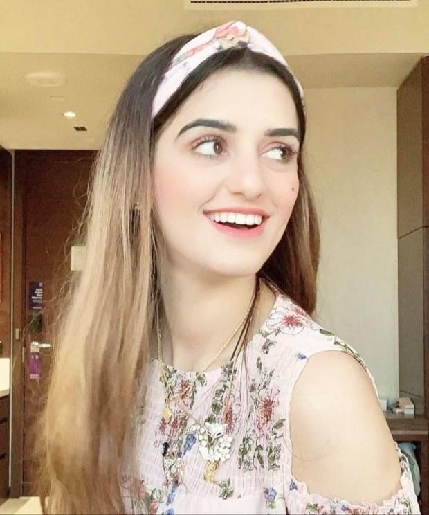 ویڈیو شیئرنگ ایپلی کیشن ٹک ٹاک اسٹار صندل خٹک کے وکلا نے لاہور کی سیشن کورٹ سے وفاقی تحقیقاتی ادارے (ایف آئی اے) کے خلاف دائر کی گئی درخواست پر بحث کرنے کے لیے عدالت سے مہلت مانگ لی۔