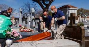 کورونا: اسپین میں دوسرے روز بھی 900 سے زائد اموات